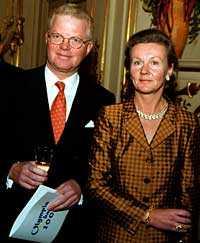 God för över en miljard Fredrik Lundberg, här med frun Anne-Marie, är styrelseordförande för Lundbergföretagen. Han har en förmögenhet på 1 482 miljoner kronor.
