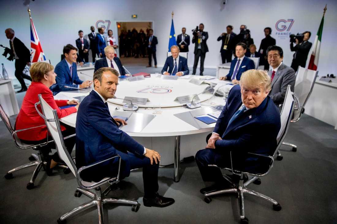 Den franske presidenten Emmanuel Macron (till vänster) och den amerikanske presidenten Donald Trump (till höger) är två av de ledare som deltar vid G7-mötet i franska Biarritz.