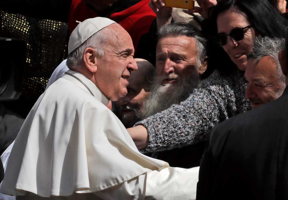 Påve Franciskus under sitt besök i Nordmakedoniens huvudstad Skopje.