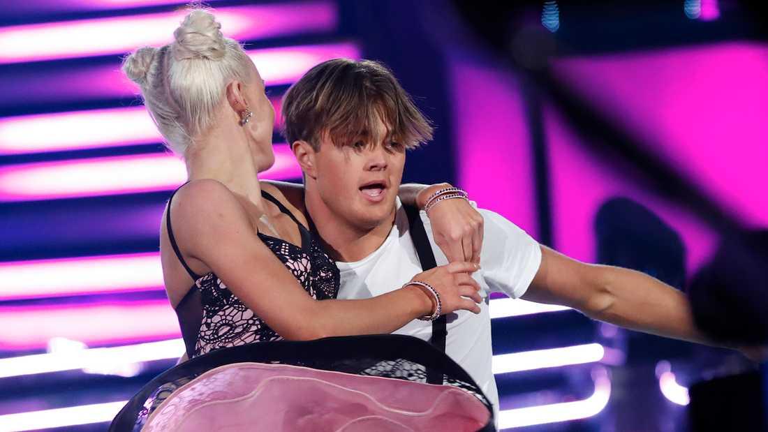 """Lance Hedman Graaf och Linn Hegdal i """"Let's dance""""."""
