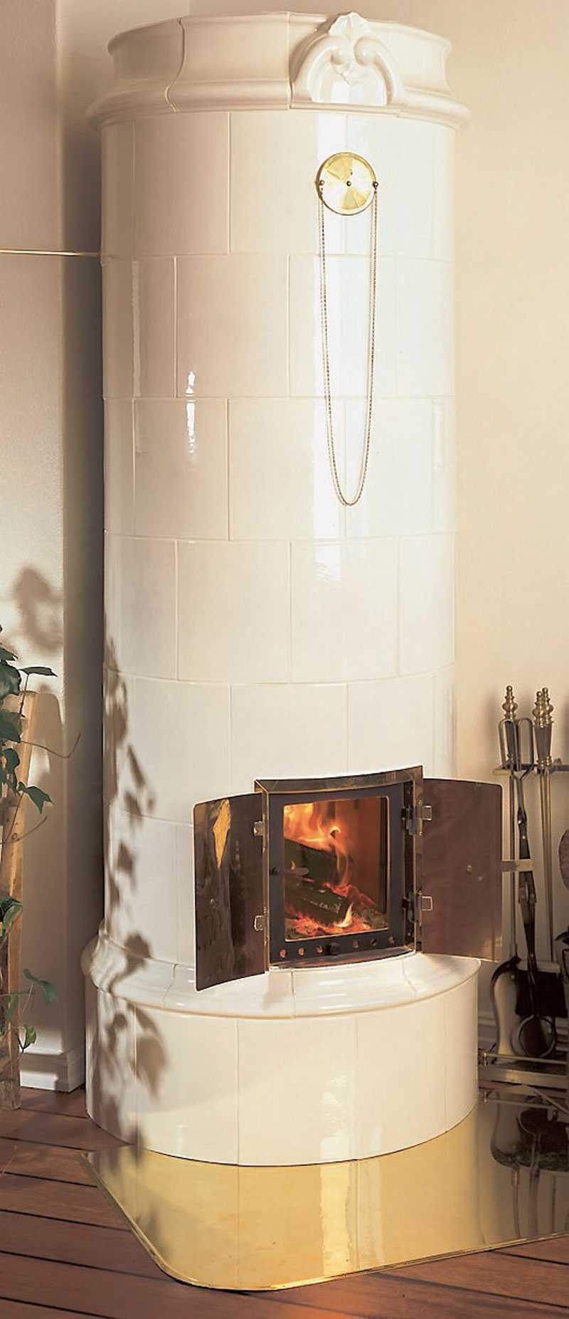 Siri 901. Med tung och värmelagrande kärna av gjuten olivin. Pris: 38900 kr. www.nibefire.eu