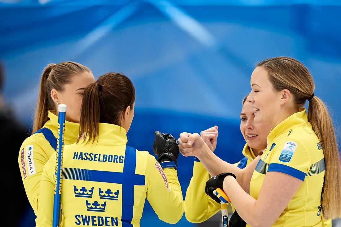 Sveriges lag består av Anna Hasselborg (skipper), Sofia Mabergs, Sara McManus, Agnes Knochenhauer och Johanna Heldin.