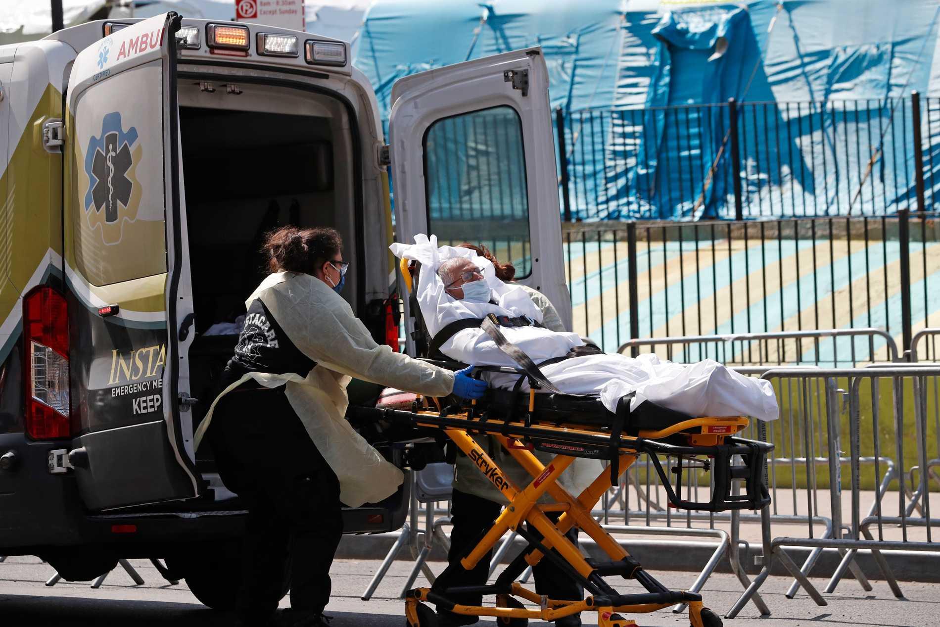 En patient i New York, den delstat som har drabbats värst av coronaviruset i USA.