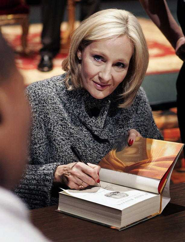 Joanne K Rowling, författare.