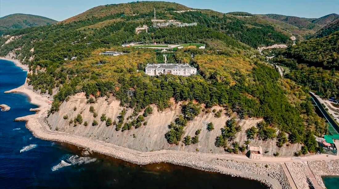 Området som uppges tillhöra den ryske presidenten Vladimir Putin, enligt en film som regimkritiker Aleksej Navalnyj publicerat.