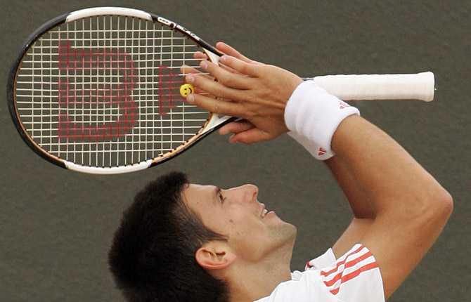 Novak Djokovic tackar högre makter.