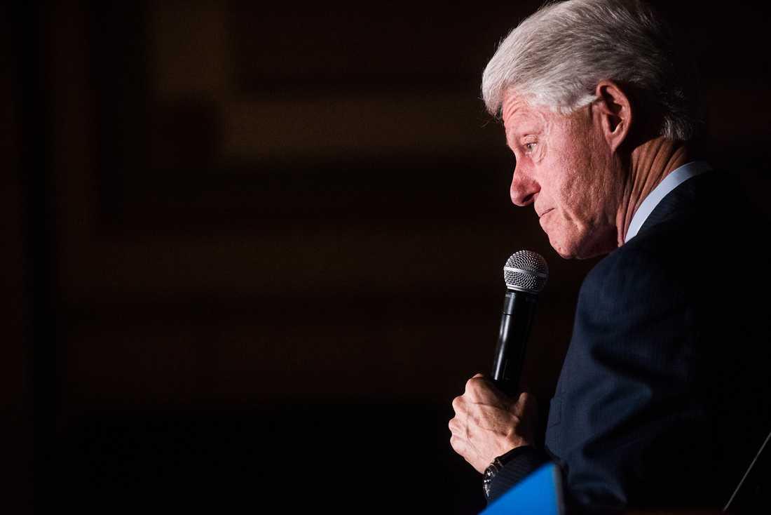 Nu visar det sig att Ericsson bjudit Bill Clinton på kostnaden för ett privatplan.