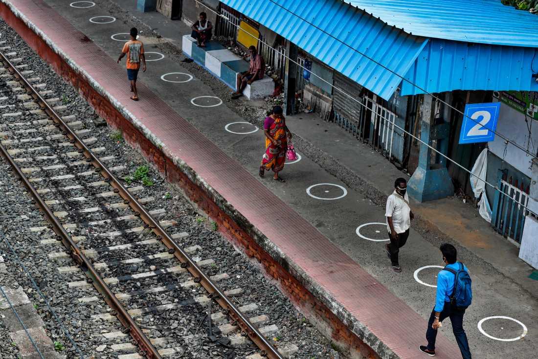 En järnvägsstation i indiska Calcutta. Stationen på bilden har inget med artikeln att göra. Arkivbild.