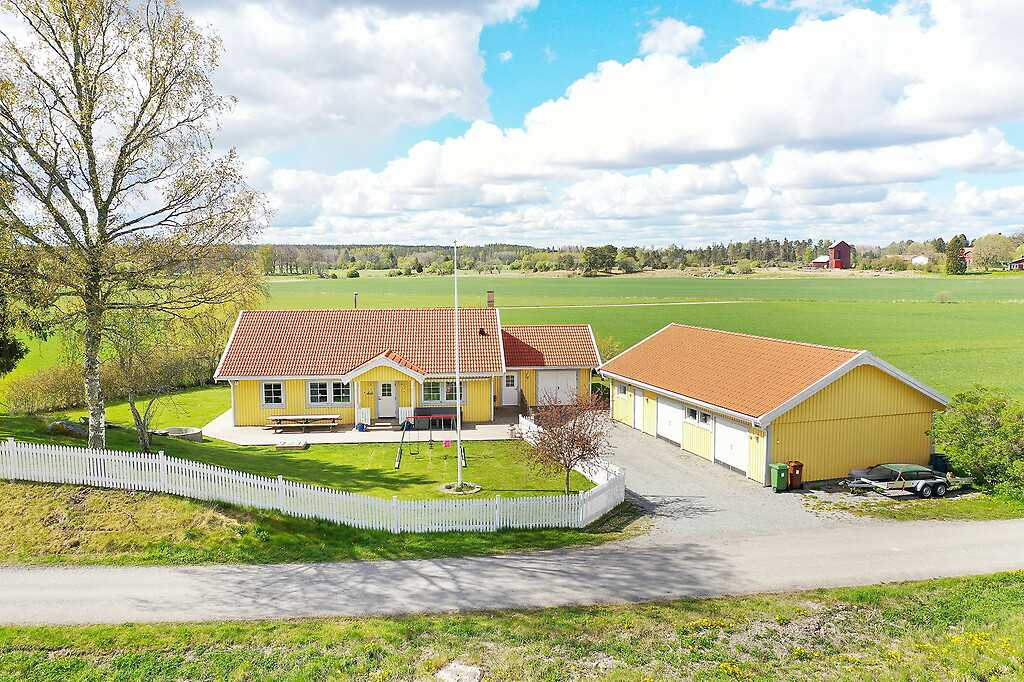 Almunge-Ösby, Uppsala-Länna.
