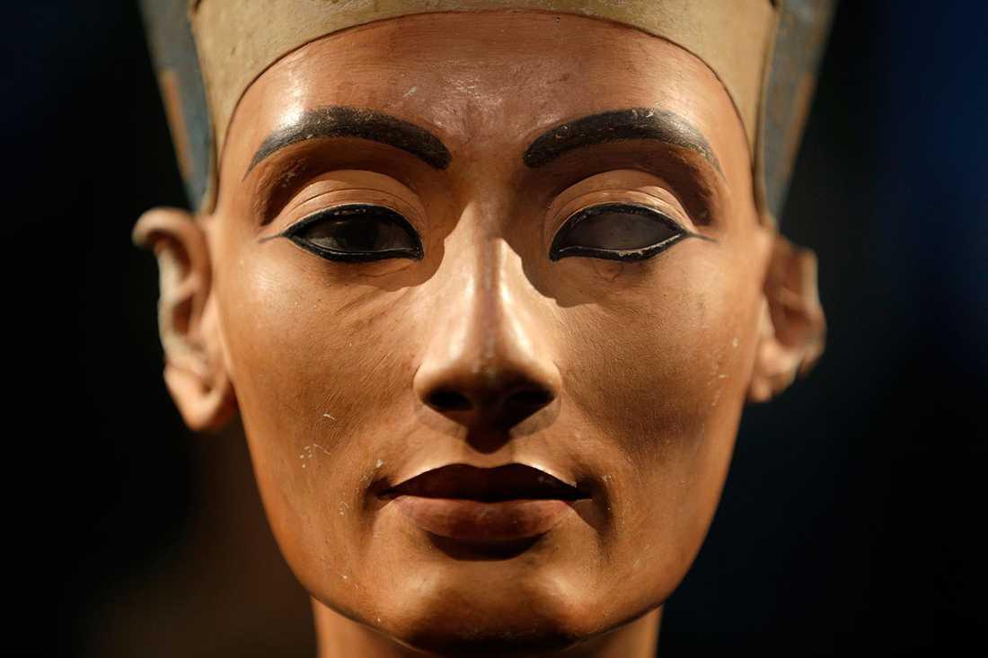 Bysten av Nefertiti finns på Historiska muséet i Berlin.