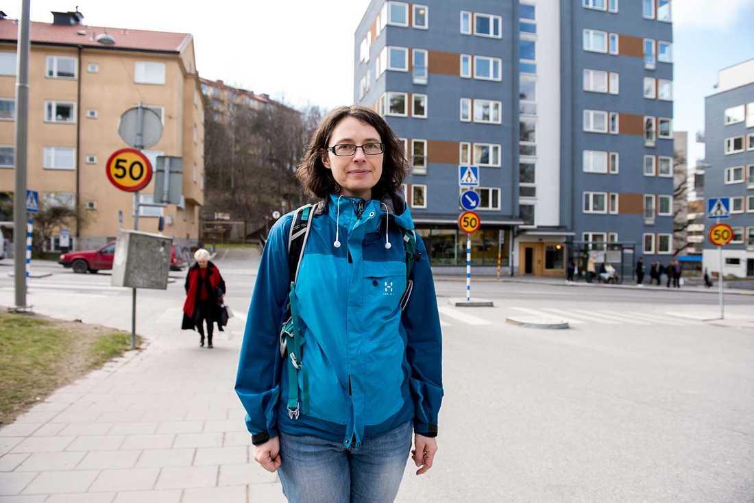 Fördomar mot de som är födda utanför Europa gör att de inte får jobb, menar Åsa Lundberg på Gärdet.