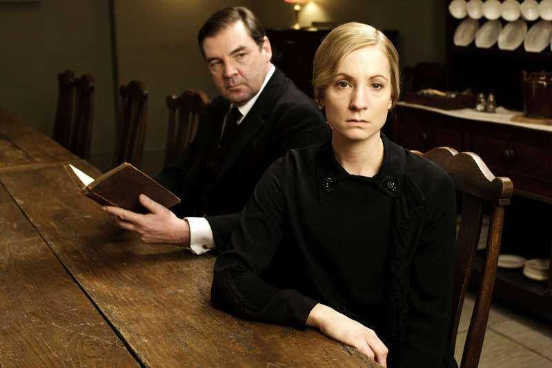 Det Joanne Froggatts rollfigurer utsätts för på tv har fått kvinnor att höra av sig till skådespelerskan om det som drabbat dem.