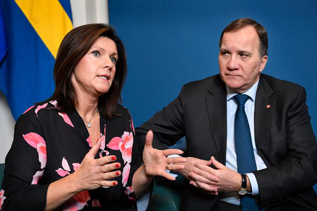 Arbetsmarknadsminister Eva Nordmark och statsminister Stefan Löfven.