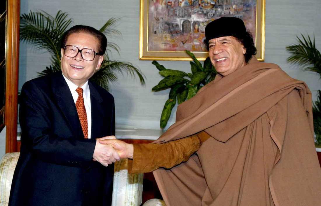 2002 besökte Kinas president Jiang Zemin Gaddafi i Tripoli.
