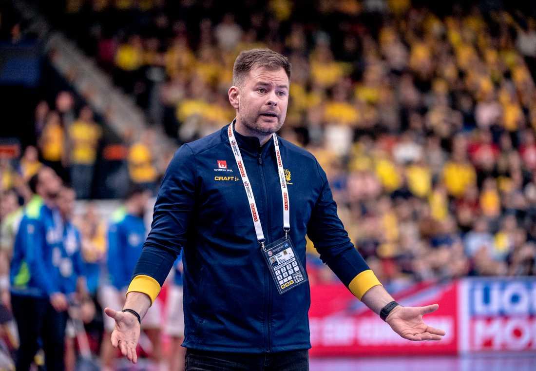 Sveriges förbundskapten Kristján Andrésson var förtegen gällande Albin Lagergrens status och om hans enda vänsterhänte skytt kan vara med mot Polen på tisdag.
