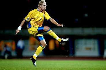 0-4 (45) Christian Wilhelmsson fick på en kalasträff efter en hörna.