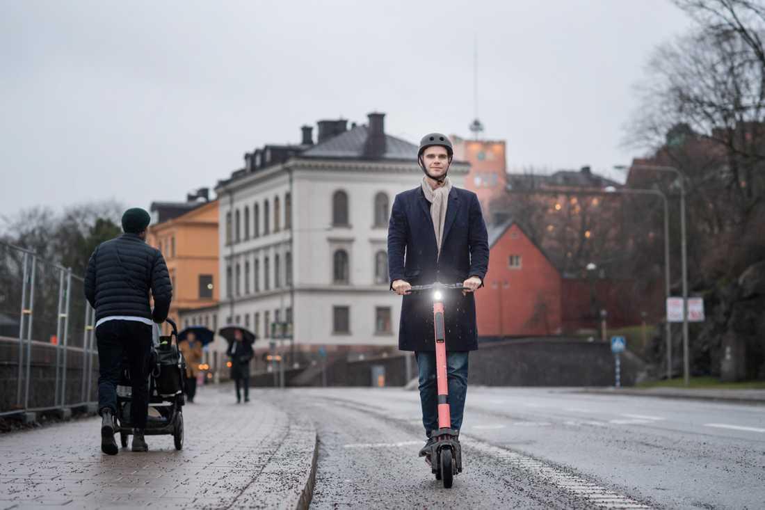 """Fredrik Hjelm, vd för elsparkcykelföretaget Voi. Närmast siktar man på att slå sig in i London och Amsterdam. """"Vi finns i tio länder i Västeuropa nu och de kommer att stå i fokus under 2020"""". Vi hoppas att Nederländerna och Storbritannien ska öppna upp men tror snarare att det händer 2021"""", säger han."""