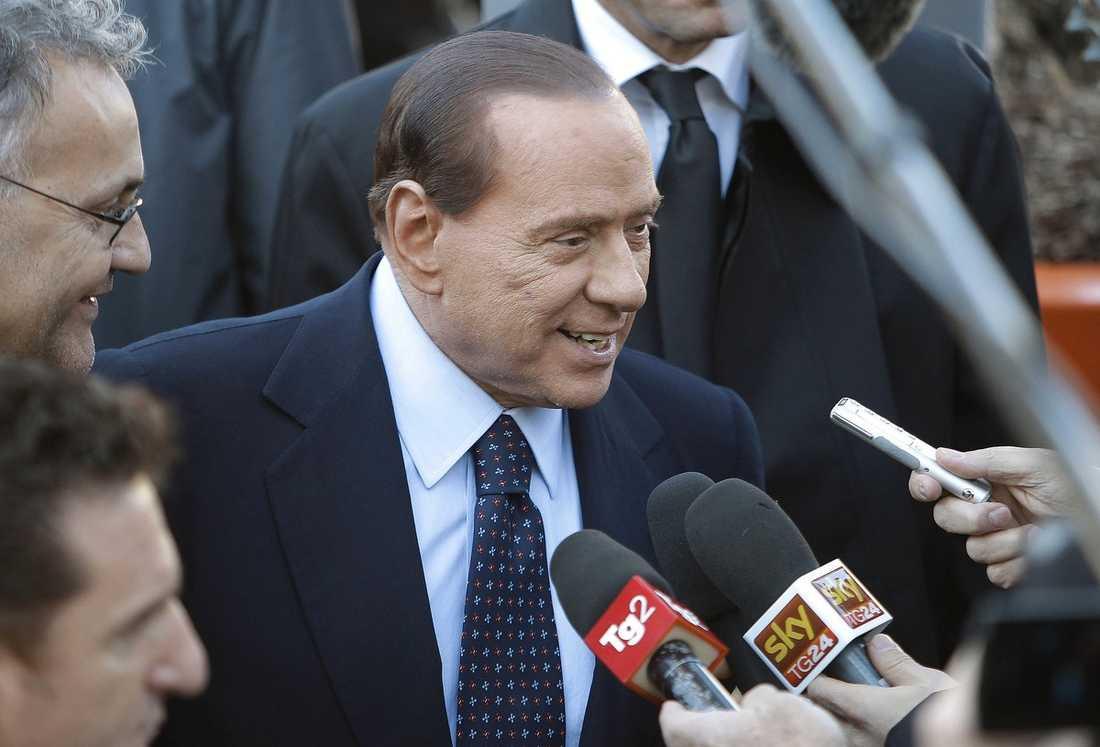 Silvio Berlusconi lägger sig i mer och mer i Allegris jobb nu när han har mer fritid efter politikkarriären.