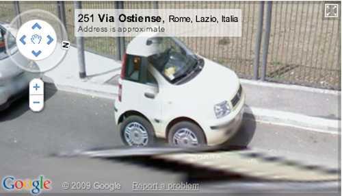 Här har Googlebilen passerat världens minsta bil?