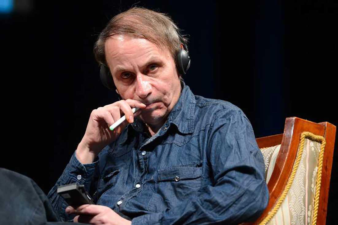 """Michel Houellebecqs bok """"Hålla sig vid liv"""" har blivit viktig för Linda Skugge."""