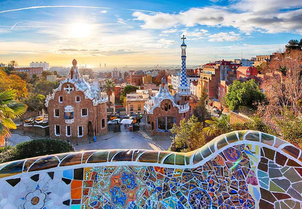 Barcelona och spanska solkusten lockar många i vår.
