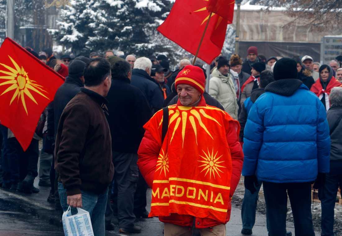 Demonstration i protest mot att ändra Makedoniens namn till Nordmakedonien utanför parlamentet i landets huvudstad Skopje den 11 januari.