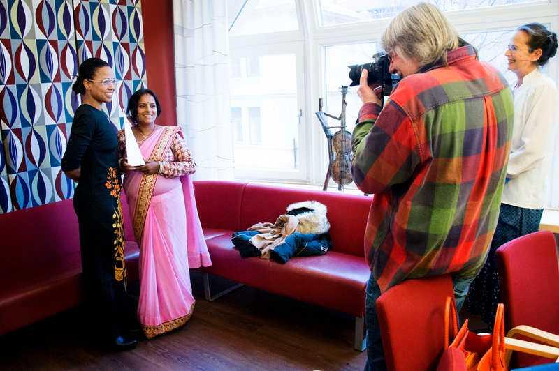 Vid en prisceremoni på MR-dagarna i Umeå delade Alice Bah Kuhnke ut 2014 års Per Anger-pris till den nepalesiska människorättsförsvararen Rita Mahato, 37. Mahato får priset för sitt arbete för våldsutsatta kvinnor.