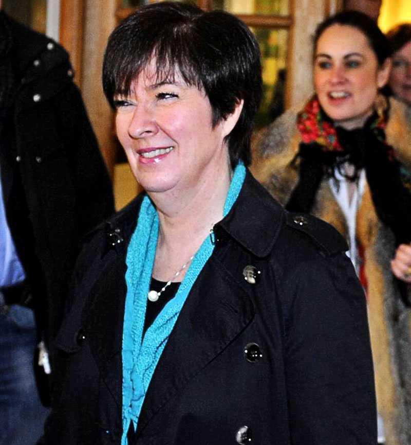 Socialdemokraternas avgående partiledare, Mona Sahlin, ville inte ge några kommenterarer när hon kom ut från mötet.
