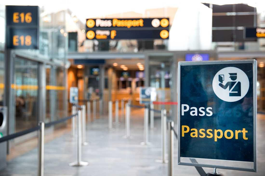 Dataproblem hos polisen har påverkat passkontrollerna vid svenska flygplatser under måndagen. Vid 15-tiden var problemen lösta. Arkivbild.