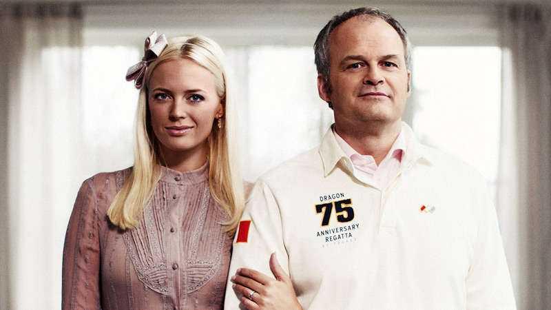 "Josephine Bornebusch med Johan Rheborg i ""Solsidan""."