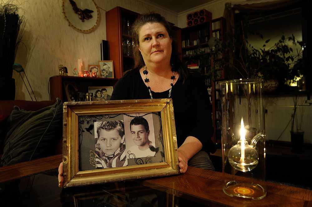 Älskad och saknad  Andreas blev bara 17 år. När han gick fram till en odetonerad, så kallad rörbomb, fyrades den av i hans ansikte. Han avled direkt.