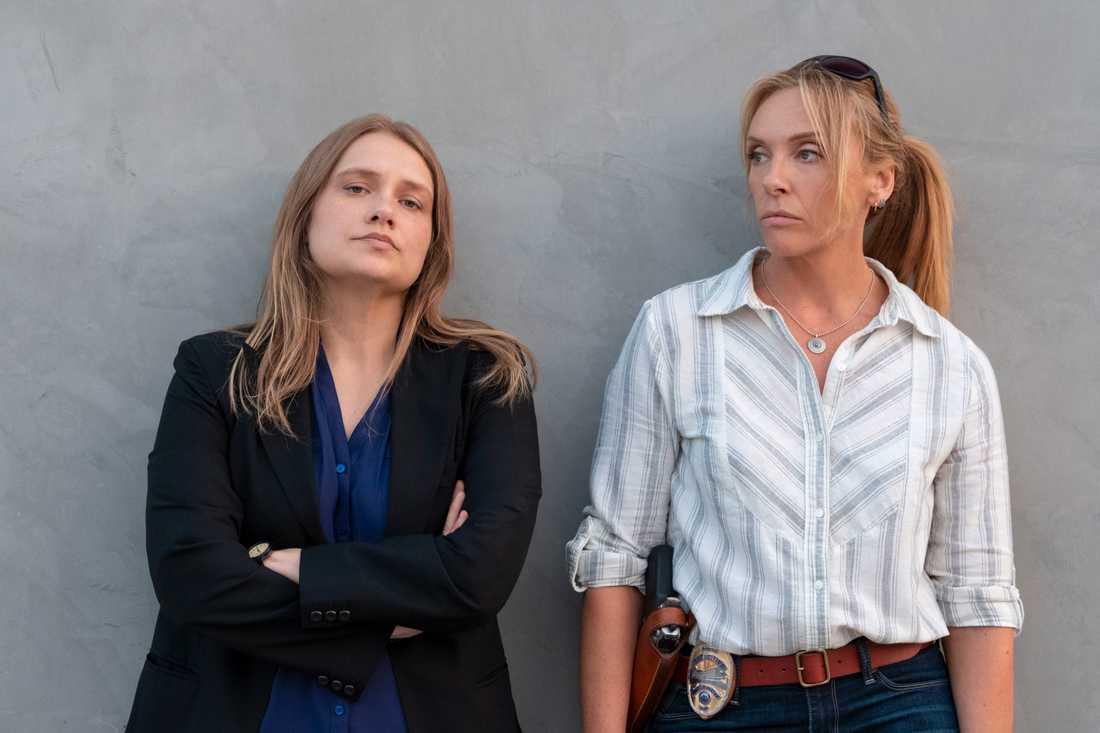 """Merritt Wever och Toni Collette i """"Unbelievable""""."""