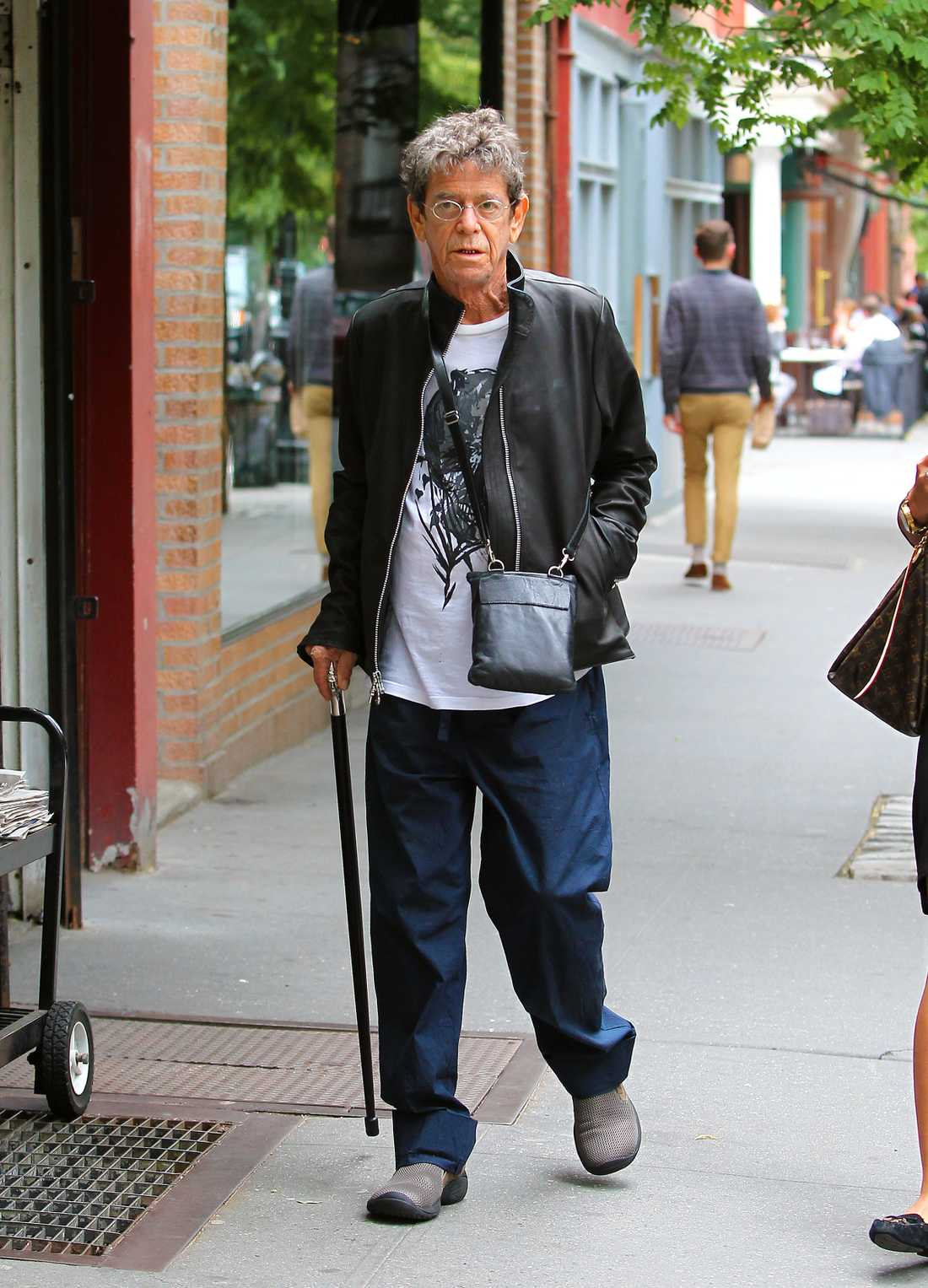 Lou Reed på väg till lunch i West Village, New York.