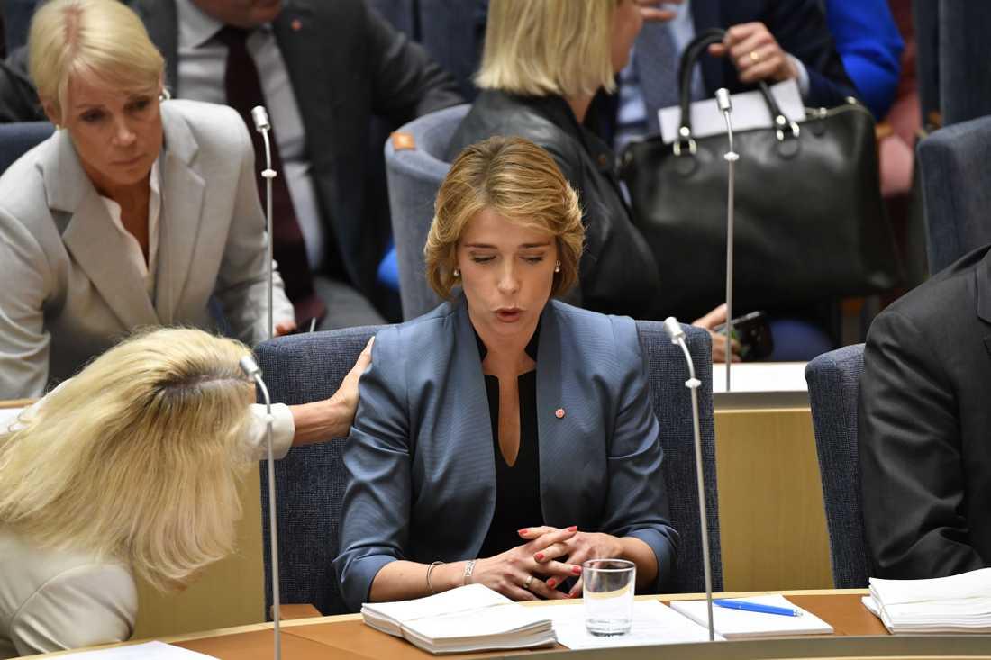 Socialförsäkringsminister Annika Strandhäll i riksdagen i samband med omröstning om misstroendeförklaring mot henne.
