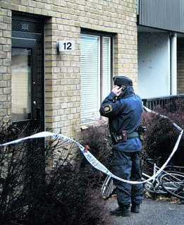 HITTADES I TRAPPHUSET Den 62- årige mannen ska ha överfallit sin dotter när hon var på väg hem från sin sons dagis.