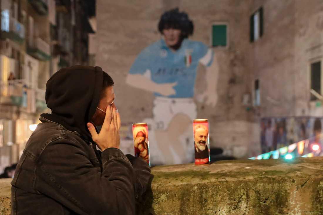 Neapel sörjer Diego Maradona.