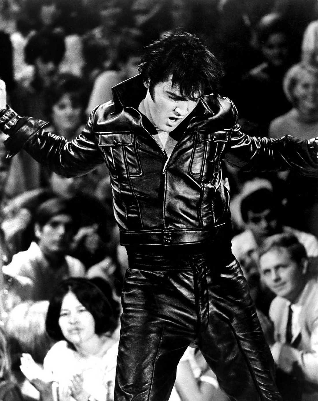 STÄMMER DÖDSBOET Svenska Lisa Johansen, 45, har länge hävdat att hon är Elvis Presleys dotter. Efter att ha kallats för en bluff av familjen Presley, med Priscilla och Lisa Marie i spetsen, stämmer hon nu dödsboet på 880 miljoner kronor.