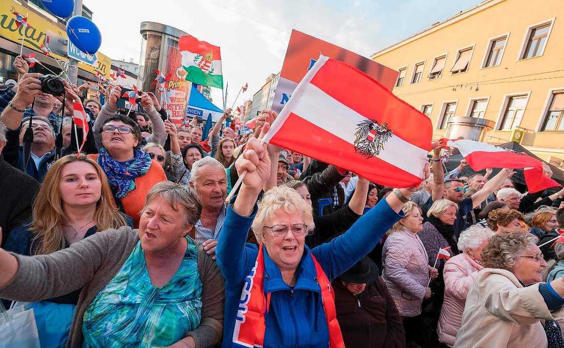 Publiken när Hofer höll sitt sista valtal inför valet.
