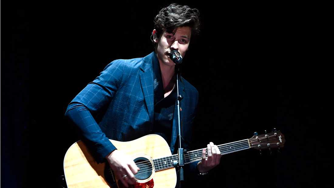 Shawn Mendes hann även uppträda på MTV European Music Awards I London.
