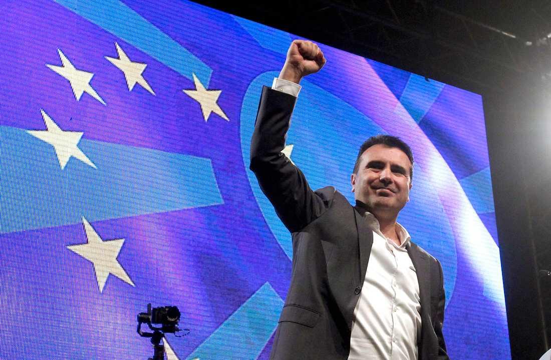 Nordmakedoniens förre premiärminister Zoran Zaev på ett valmöte i februari. Arkivbild.