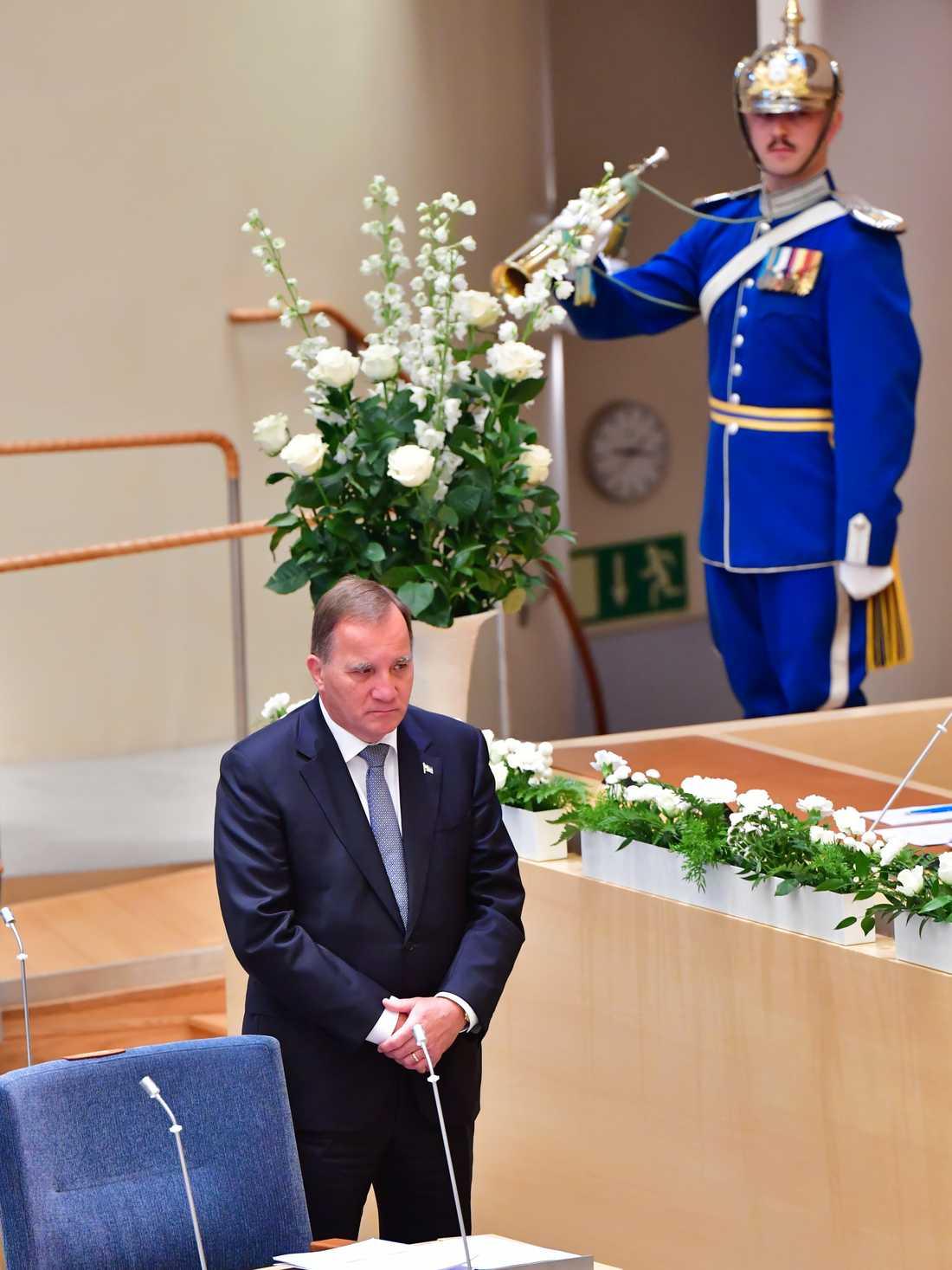 Statsminister Stefan Löfven (S) under minnesceremonin i riksdagen för coronapandemins offer.