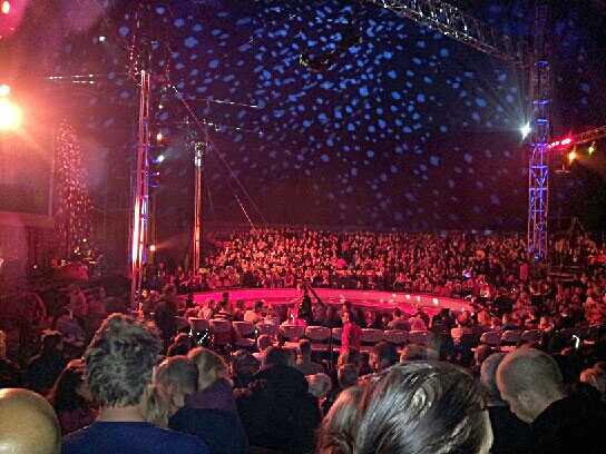 En kvinna skadades när hon sköts av misstag på Cirkus Scott i Stockholm.