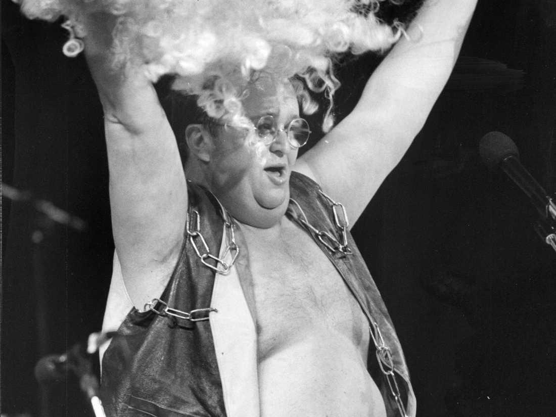 """Rockfolkets Leif """"Burken"""" Björklund under en spelning på 80-talet."""