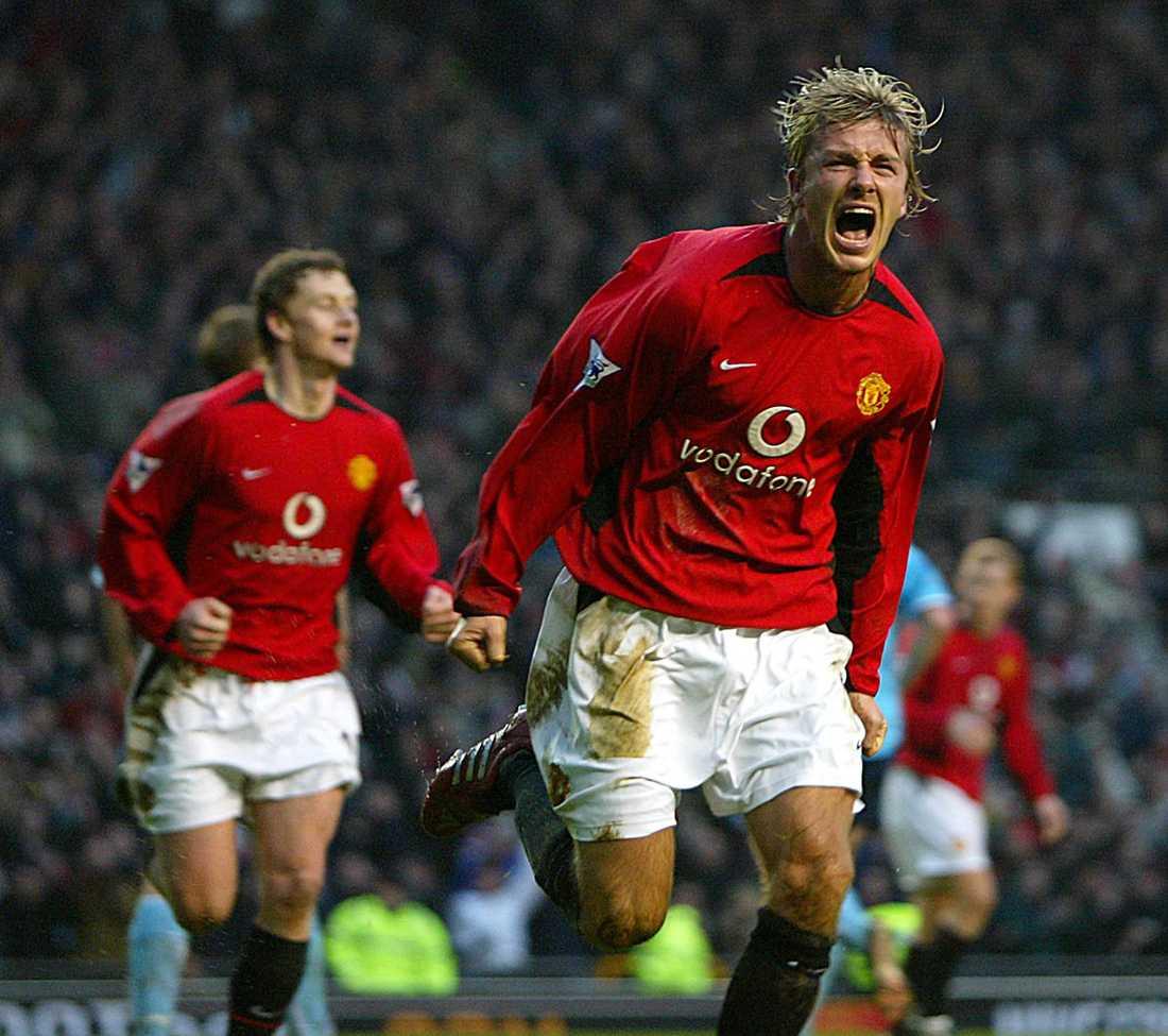 Firar ett mål mot Sunderland på Old Trafford i januari 2003. United vann med 2-1.