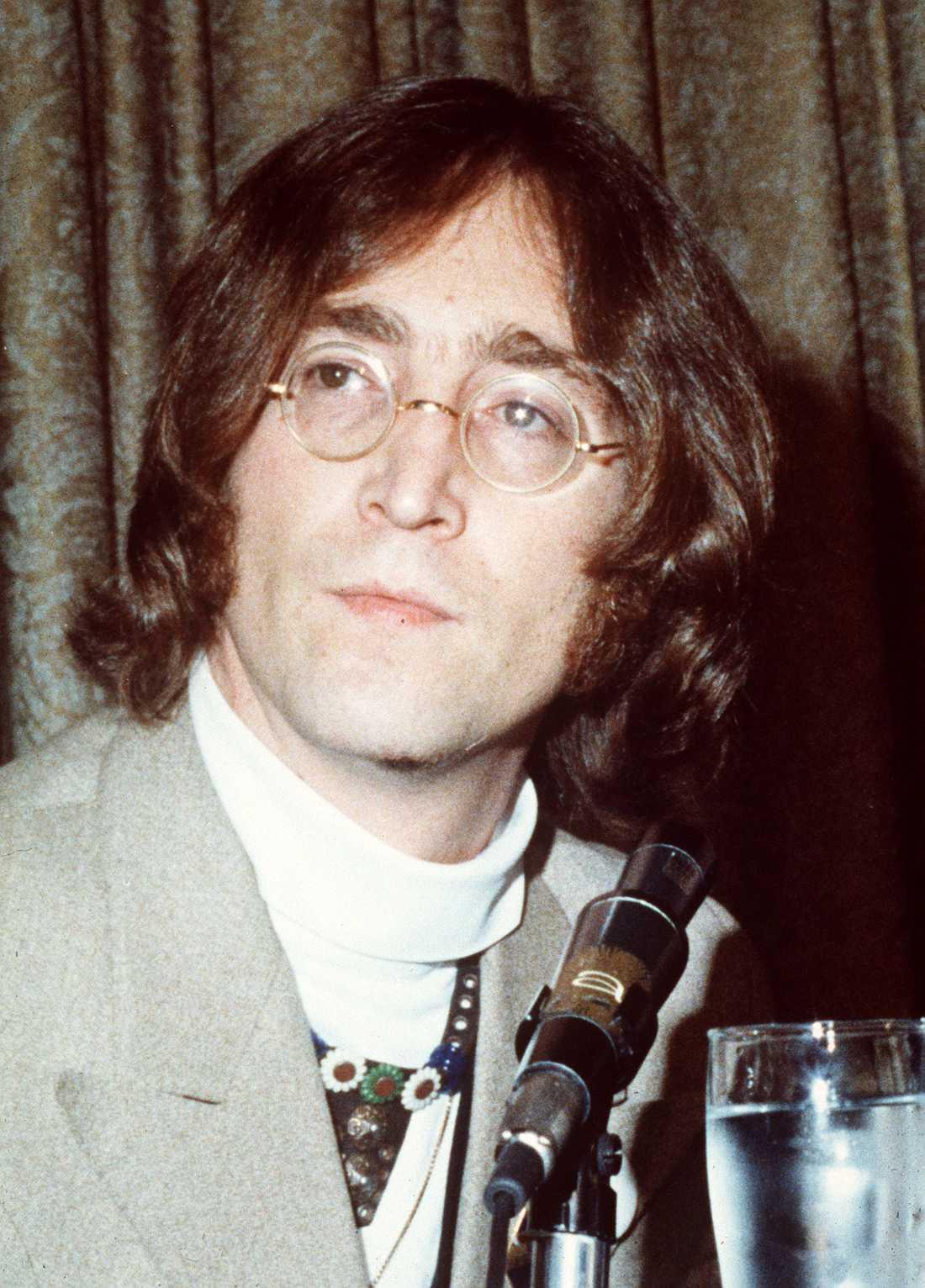 5 John Lennon, The Beatles.