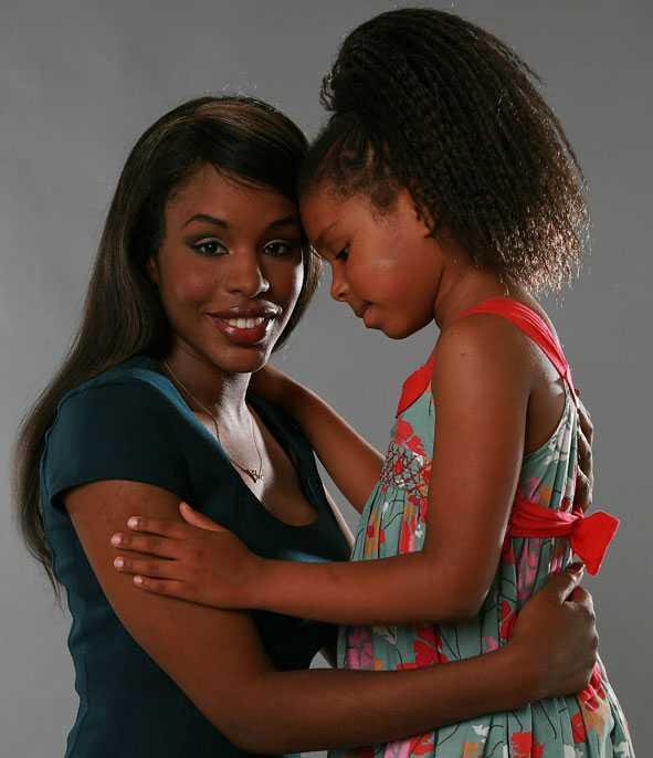 Miriam Virgo tillsammans med dottern Kayleigh, som nu är sju år gammal.