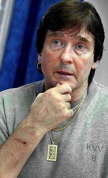 rekordfånge Ingen har någonsin suttit lika länge i svenskt fängelse som Leif Axmyr, 64. Han mördade sin före detta flickvän och hennes manlige vän 1982.   Jag skäms över vad jag gjorde. Men jag har betalat mitt pris, dyrt. Nu är jag gammal och jag vill inte dö här.