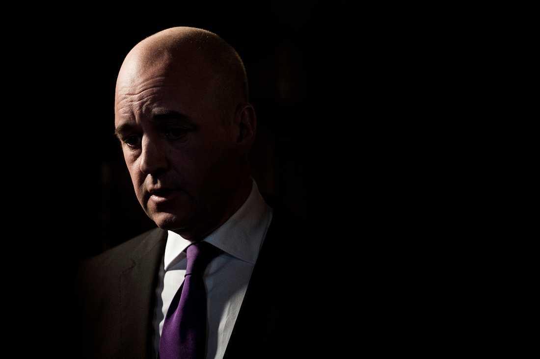 osäker sits  Om det var val i dag skulle Reinfeldts tid som statsminister få ett abrupt slut.