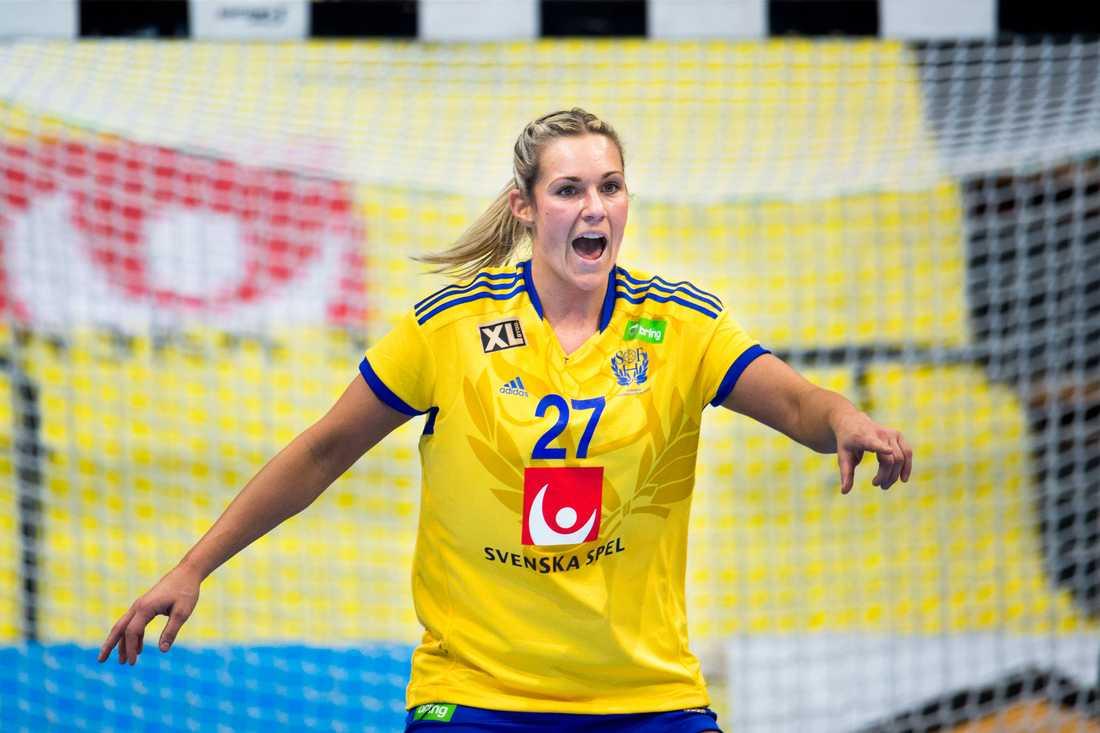 Sabina Jacobsen Ålder: 25. Position: Mittnia Klubb: FC Midtjylland.