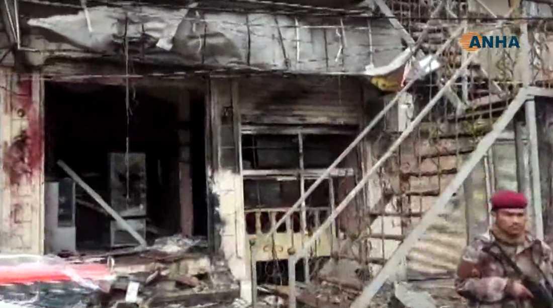 Explosionen inträffade i en restaurang i Manbij. Skärmdump från den kurdiska nyhetsbyrån ANHA:s sändningar.